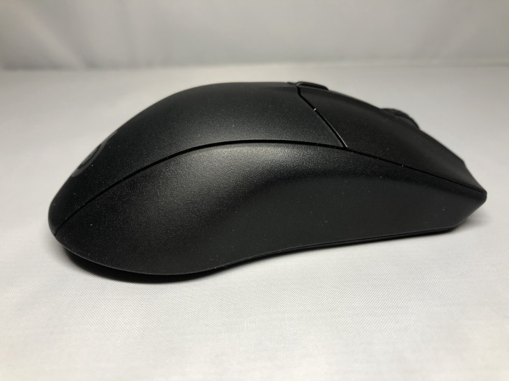 サイドの滑り止め2 - SteelSeries Rival 3 Wireless