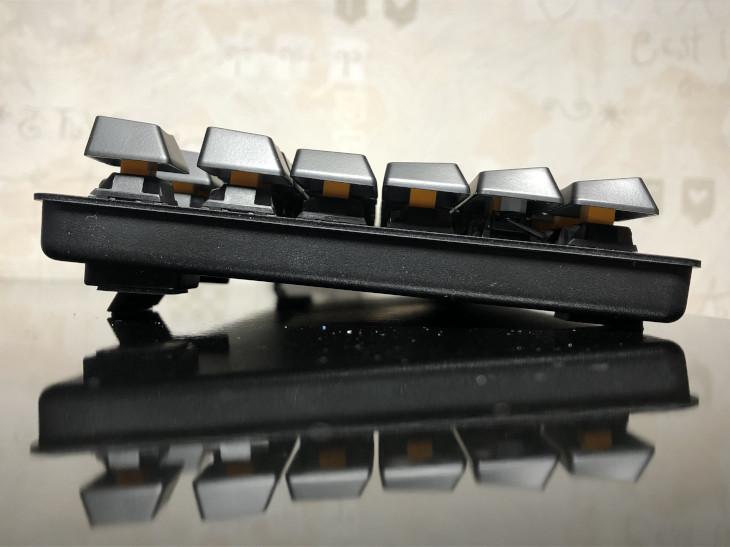 角度調節2 - Razer BlackWidow Lite