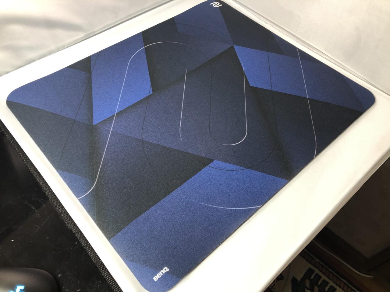 表面の質感比較-G-SR-SE DEEP BLUE